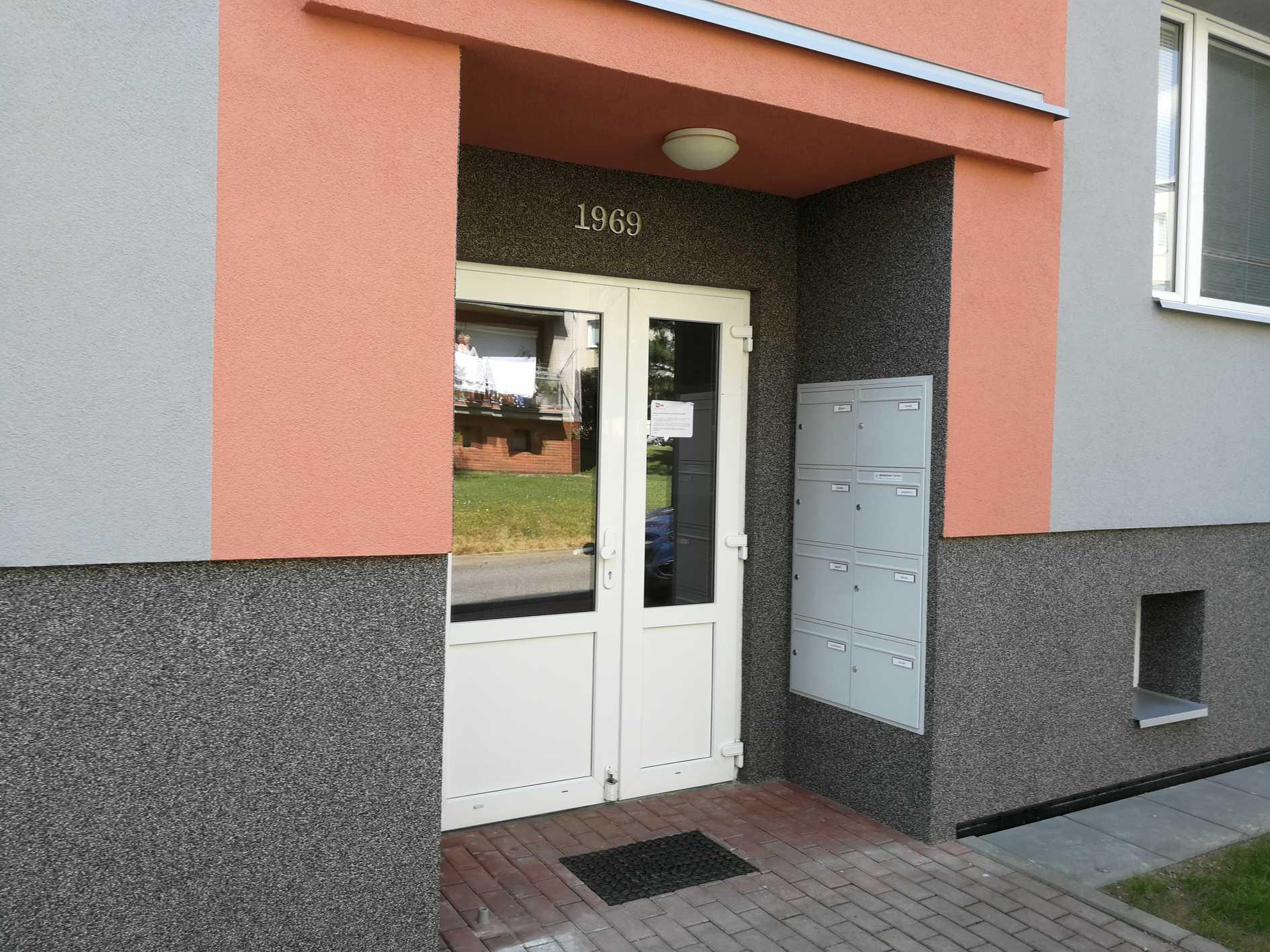 STAVA - František Vališ s.r.o.   Vstupní portály
